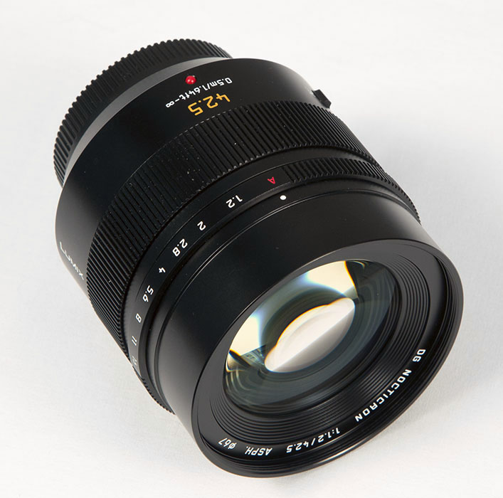 Panasonic Lumix G Leica DG Nocticron 42 5mm f/1 2 Review